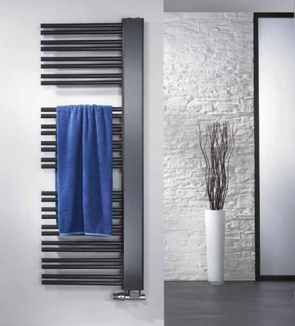 design-vom- badheizkörper-grau-und-ultramodernes modell