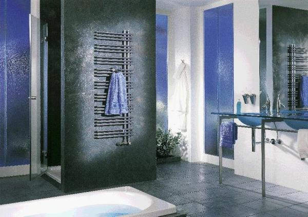 Design Vom  Badheizkörper Großes Badezimmer  Blau Und Grau