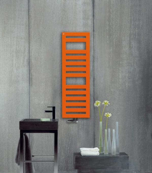 design-vom- badheizkörper-orange-farbe - zärtliche blumen daneben