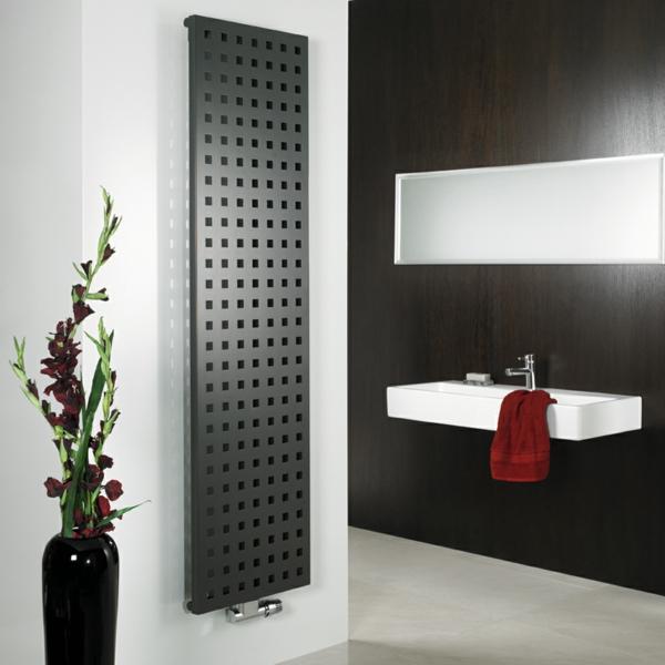design-vom- badheizkörper-schwarzes-badezimmer