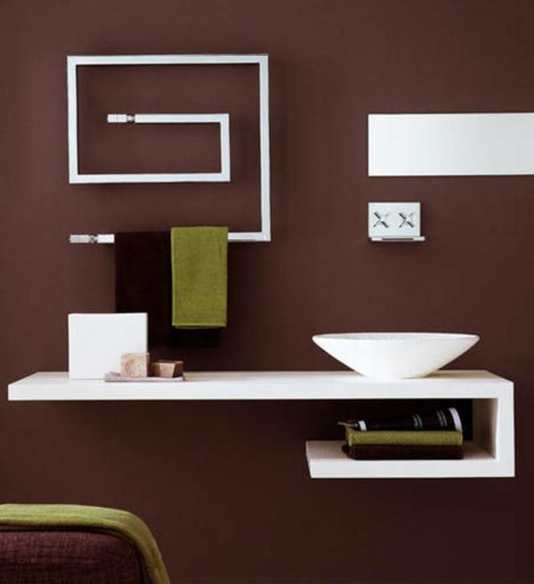 design-vom- badheizkörper-sehr-schön - weiße gestaltung