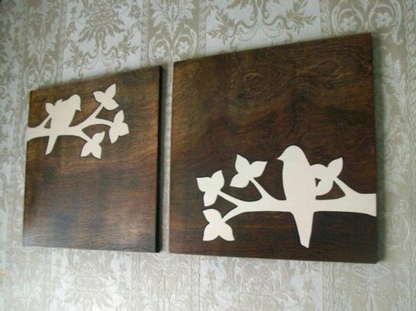 weiße-Bilder-mit-Vogeln-auf -einem-Zweig-sitzend