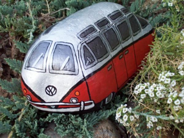 ein-stein-bemalt-wie-ein-bus-idee