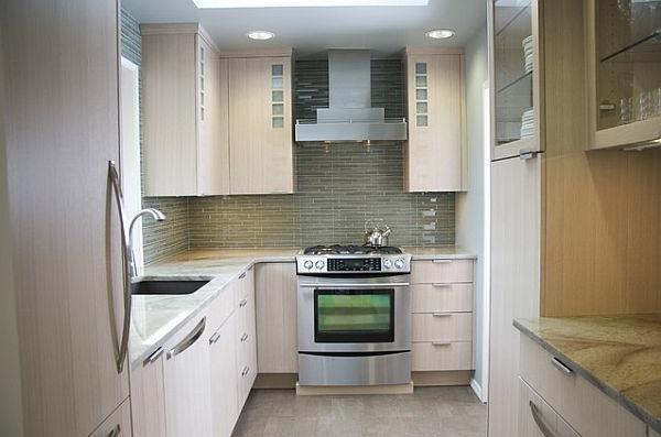 kleine k che einrichten tipps f r raumverteilung und farben 2015. Black Bedroom Furniture Sets. Home Design Ideas