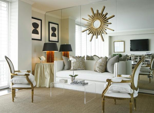 elegante-spiegelwand-im-wohnzimmer