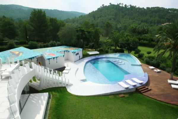 Effektvolle poolgestaltung im garten - Pool im garten integrieren ...
