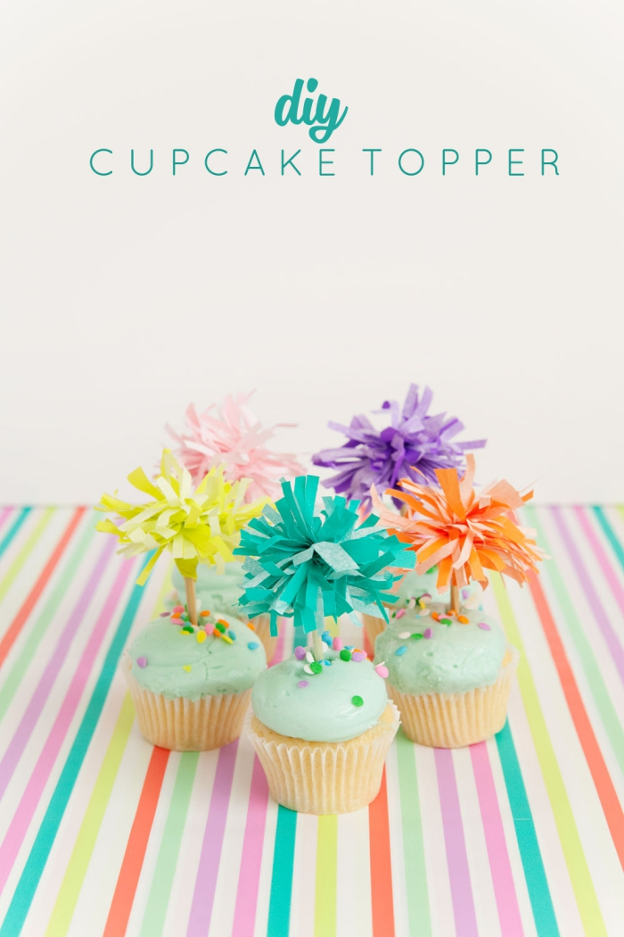 erster geburtstag deko ideen, muffin tppers aus buntem seidenpapier, cupcakes dekorieren