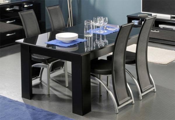 esszimmer-mit-esszimmerstühlen-in-schwarz
