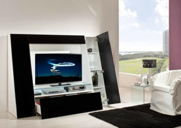 exklusive-tv-möbel-extravagante-wand-im-wohnzimmer