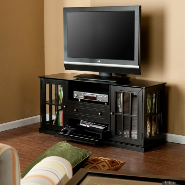 exklusive-tv-möbel-in-schwarzer-farbe- moderner fernseher