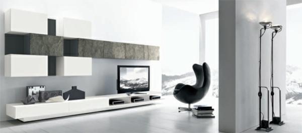 exklusive-tv-möbel-weißes-wohnzimmer -mit einem schwarzen stuhl
