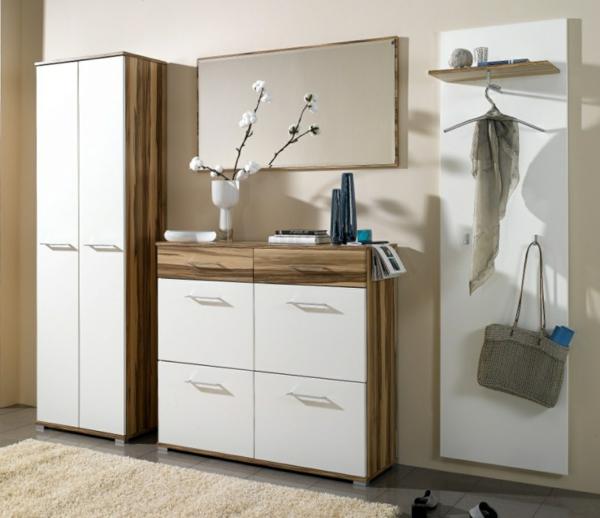 flur--garderobe-dielenschrank--spiegel-wohnidee