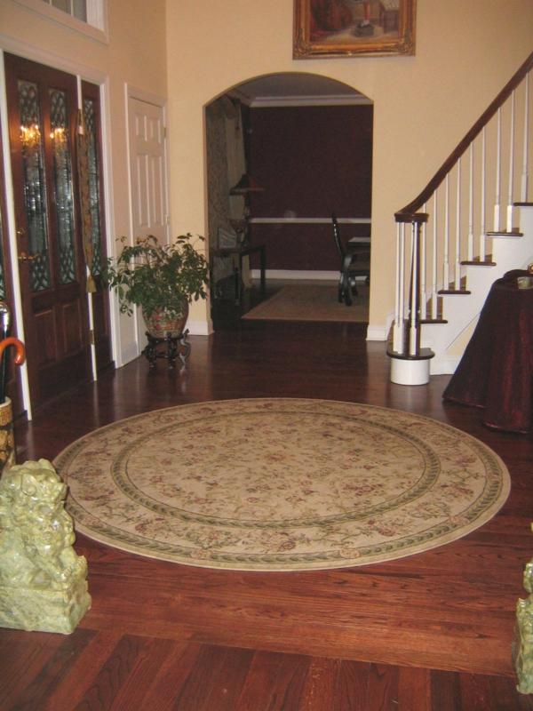 kleine runde teppiche sehen so s aus. Black Bedroom Furniture Sets. Home Design Ideas