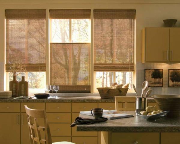 gardinen-für-kleine-fenster-moderne-küche-ausstatten-beige farben