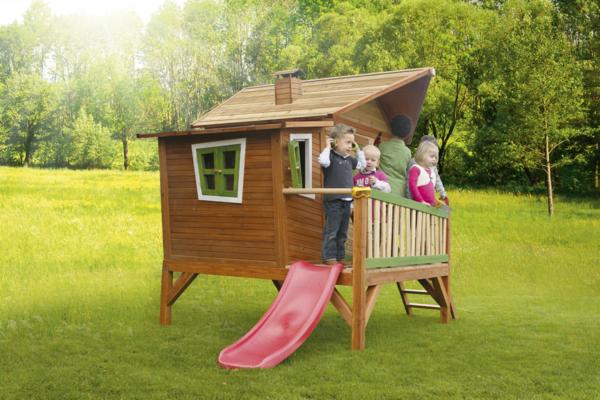 spielhaus aus holz mit rutsche. Black Bedroom Furniture Sets. Home Design Ideas