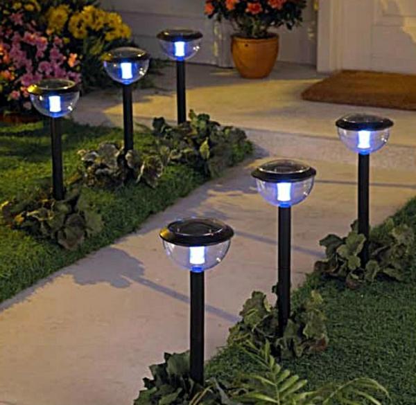 gartengestaltungsideen-beleuchtung-idee-sechs-lampen
