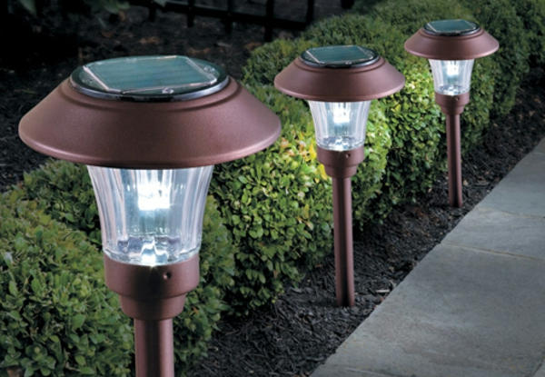 drei-gartenlampen-solar-garteleuchten-außenbeleuchtungen