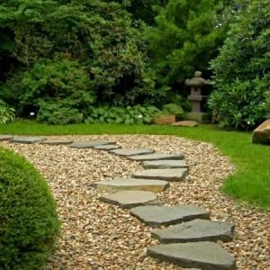 Gartenwege anlegen - kreative Beispiele