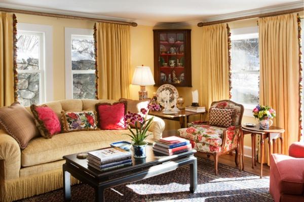 goldene-wandfarbe-wohnzimmer-gold