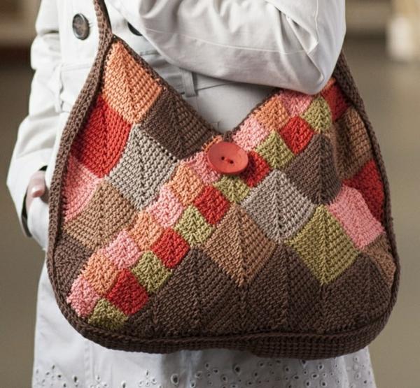 häkeln-tunesisch-Handtasche-mit-vielen-Farben-selber-machen
