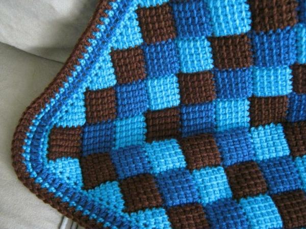 häkeln-tunesisch-blau-braun-Muster