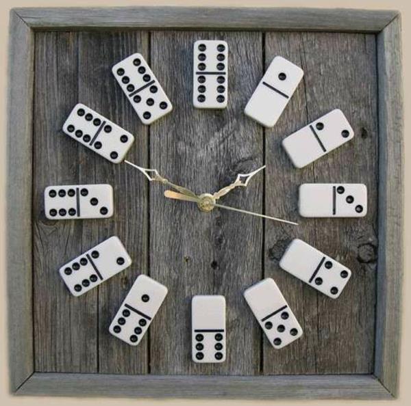 hölzerne-Wanduhr-Design-Idee-Domino-Wandgestaltung