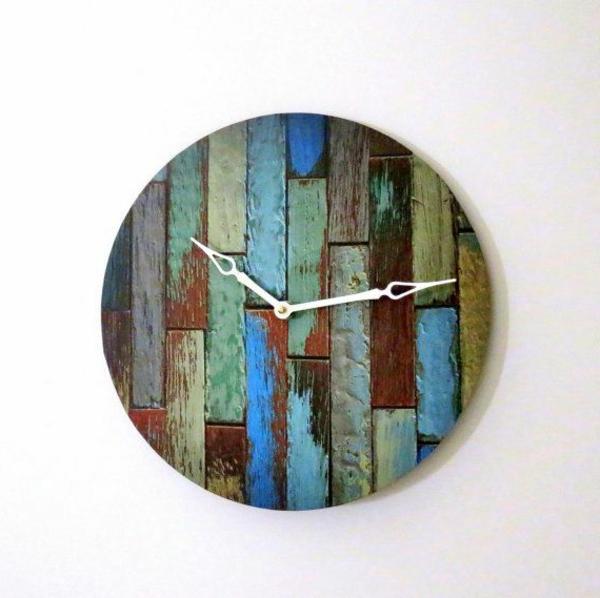 hölzerne-Wanduhr-Design-Idee-gefärbten-Holzplatten