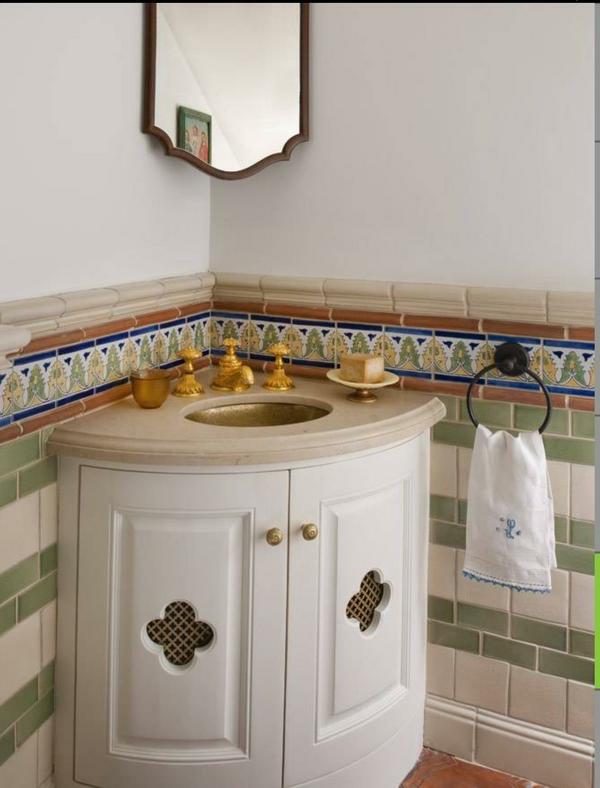 kleines-handwaschbecken-mit unterschrank-eckwaschbecken-in-weiß