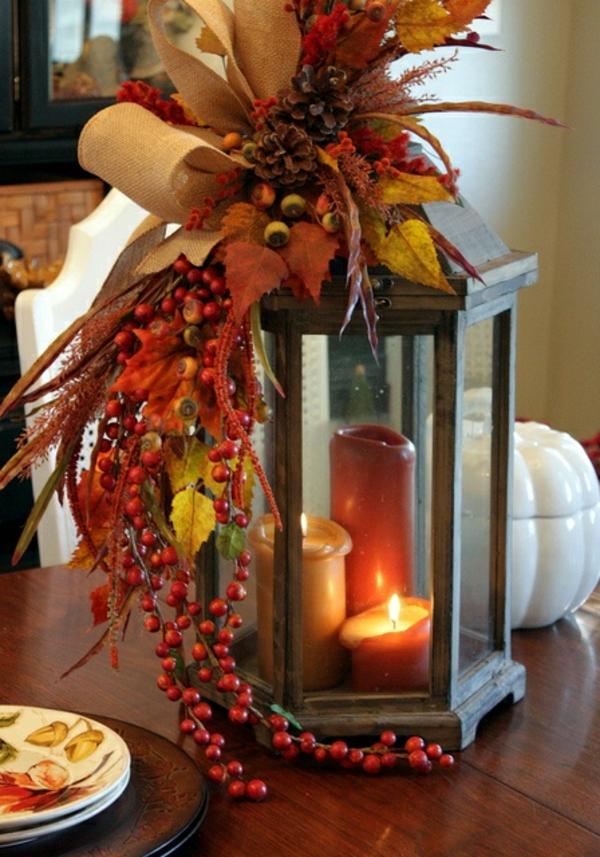 Herbstliche dekoration oder den herbst zu gast einladen - Dekoration kerzen ...