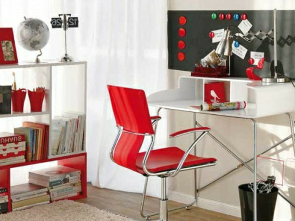schöne-glanzvoll-möbelstücke-rot-farben-stuhl-schreibtisch-weiß-heimbüro