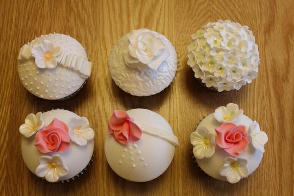 neue-hochzeits-cupcakes-mit-schoner-dekoration