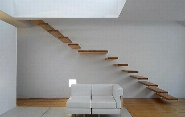 weiße-wand-holz-freischwebende-treppen-tolle-innenarchitektur-designidee