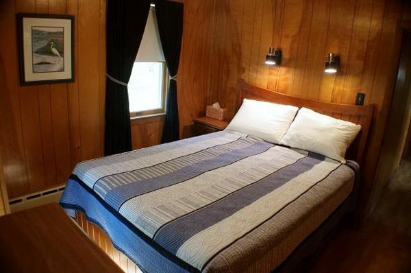 Leselampe für Bett - tolle Ideen - Archzine.net