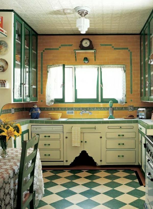 interessante-Küchenmöbel-in-Vintage-Stil-grün-und-gelb