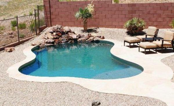 Effektvolle poolgestaltung im garten for Garten pool stahlwandbecken