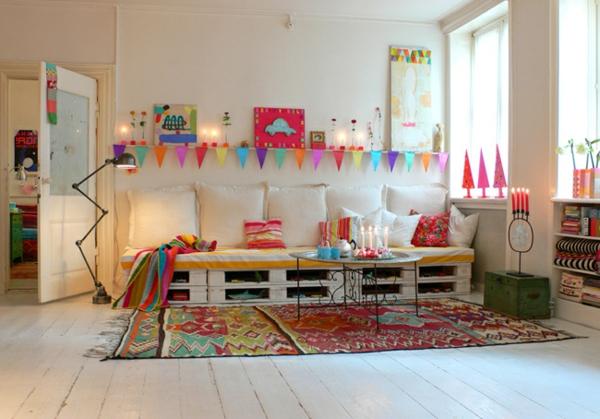 interessante-couch-selber-bauen- bunte farben