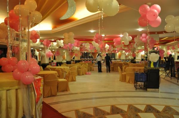 interessante-partydeko- schöne große halle