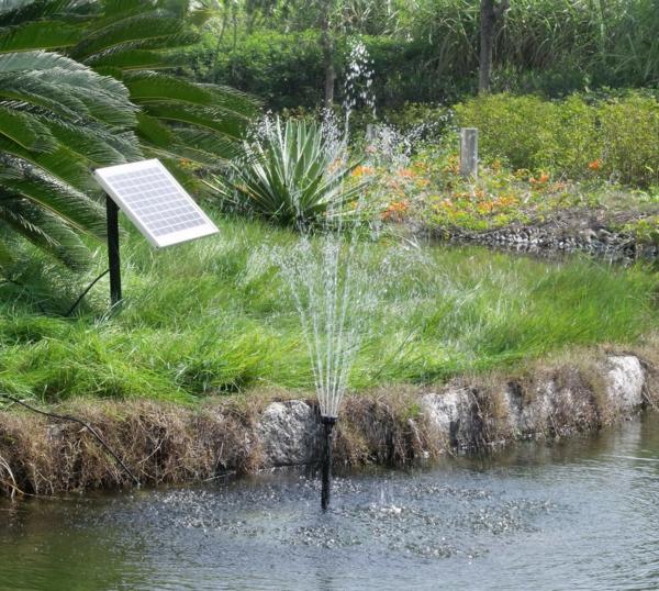schöner-Springbrunnen-solar-für-den-Garten