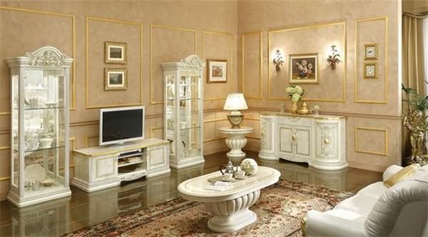 italienische-wohnzimmer-beige-farbe