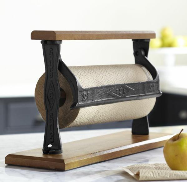 küchenrollenhalter-für-wand-sehr-gutes-design - ein goldener Apfel daneben