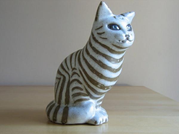 katzenfiguren-aus-keramik-alice