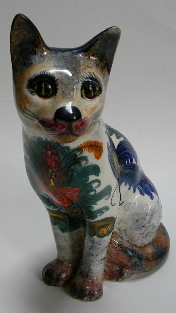 katzenfiguren-aus-keramik-bunt