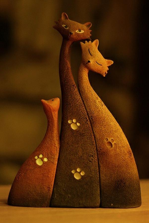 katzenfiguren-aus-keramik-drei-orange