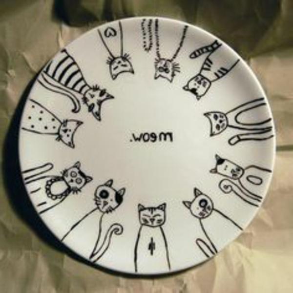 katzenfiguren-aus-keramik-teller