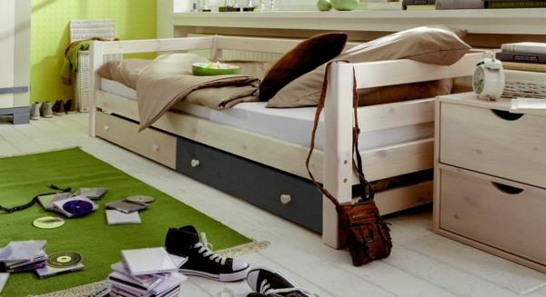kinderbett-kids-paradise-laubhuette-kiefer-gruen-weiss-1600 - grüner teppich