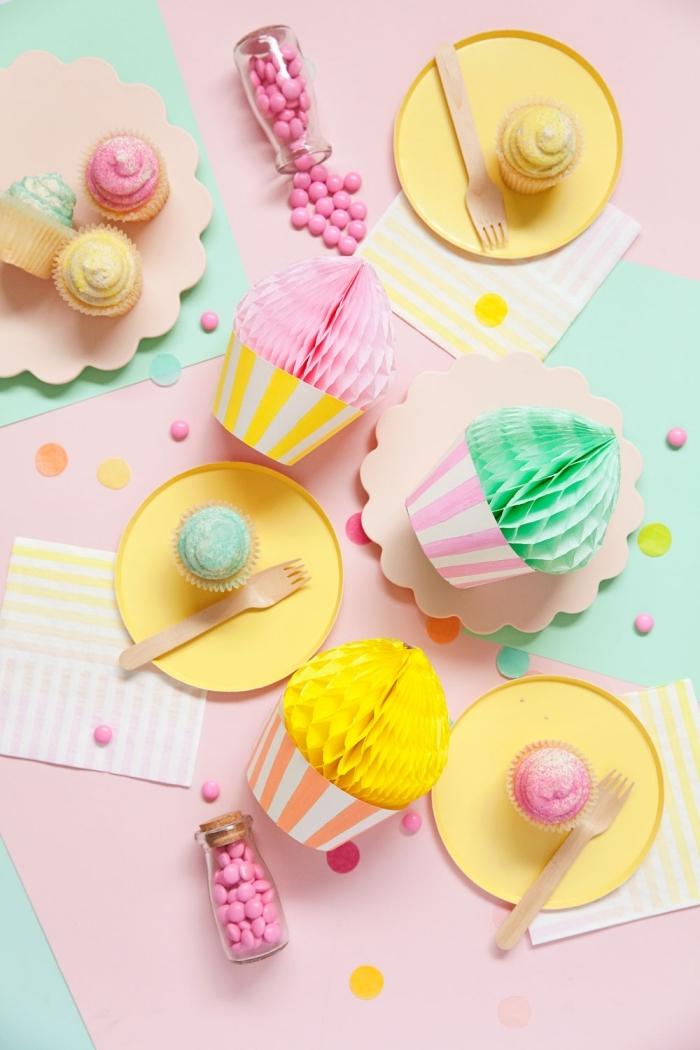 kindergeburtstag deko basteln, partydeko ideen, tischdeko zum geburtstag, cupcakes