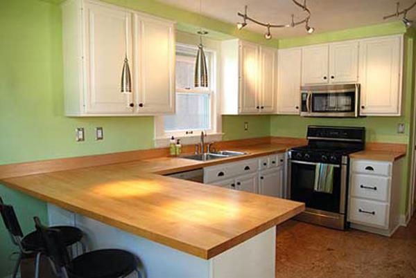 kleine-küche-einrichten-wohnidee-grüne-wand