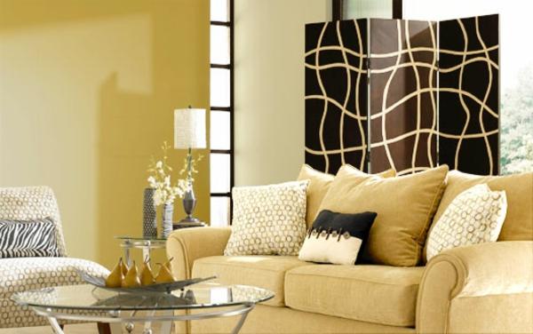 kleines-schönes-wohnzimmer-dekorieren- beige farben