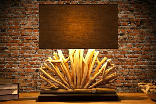 kreative-schöne--Tischlampen-aus-Treibholz-Dekoidee