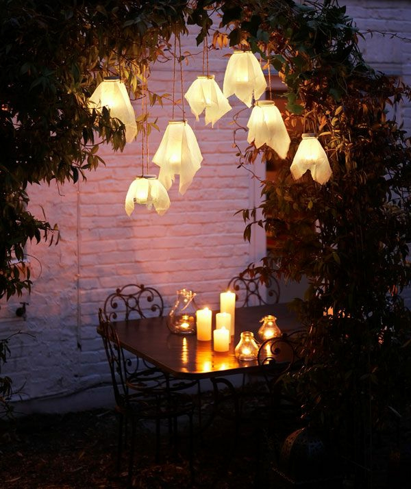 zauberhafte-gartengestaltung-mit-tollen-gartenlampen